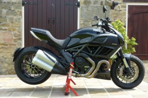 abba Superbike Stand on Ducati Diavel