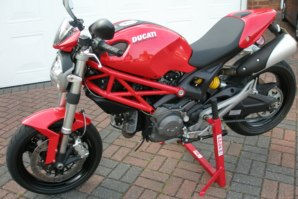 abba paddock Stand on Ducati Monster 969