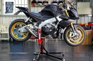 Aprilia Tuono V4 fitted to abba Sky Lift