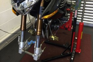 Benelli R160 on abba Sky Lift - front wheel and brakes removed