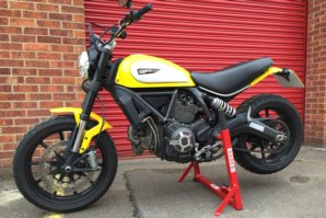 abba Paddock stand lifting Ducati Scambler