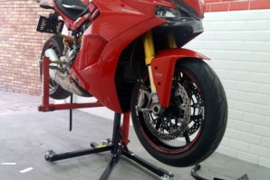 abba Sky Lift supporting Ducati Supersport S