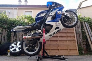 GSXR1000 on abba Sky Lift (wheelie position)