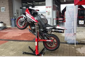 Yamaha R1 on abba Sky Lift (lifting in wheelie position)