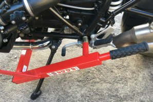 abba Paddock stand on R nineT (R9T)