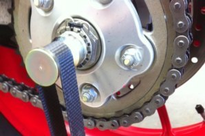 Strap attached around Hub Spindle (for Single sided swing arm bikes)